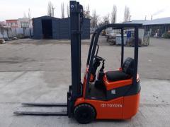 Vysokozdvižný vozík Toyota AKU 1t, TRIPLEX 5510mm nová baterie