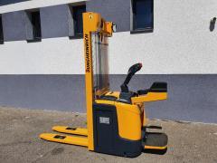 Vysokozdvižný vozík Jungheinrich,1,2t, se sklád. plošinkou pro řidiče,r.v. 2014