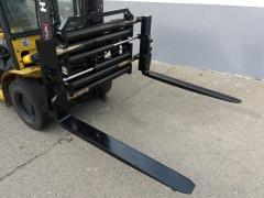 Vysokozdvižný vozík - Pozicioner vidlic širokoroztažný