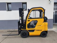 Vysokozdvižný vozík Caterpillar 1,5t,LPG,triplex 4,7m