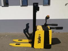 Vysokozdvižný vozík Yale 1,2t., AKU, najeto pouze 1213 Mth